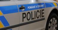 Krvavé útoky nožem v pražském parku: Policie obvinila 18letého mladíka - anotační foto