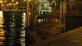V Benátkách udeřila třetí záplavová vlna během týdne. Povodně ničí celou Itálii - anotační foto