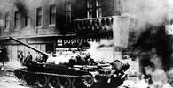 Proč Češi a Slováci podlehli okupaci? Historik má odpověď - anotační obrázek
