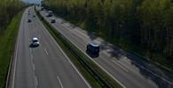 Na dálnici vjelo další auto do protisměru. Způsobilo vážnou nehodu - anotační obrázek