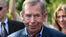 Havel drtivě poráží Zemana. Češi rozhodli o nejlepším prezidentovi - anotační foto
