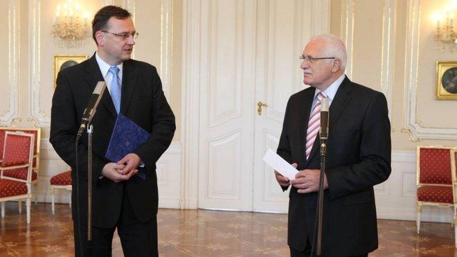 Petra Nečase rozhodně nelze označit za silnou osobnost, na rozdíl od Václava Klause staršího.