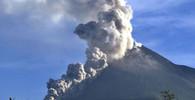 Sopka Agung na Bali se probouzí k životu, domovy musely opustit tisíce lidí - anotační obrázek