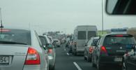 Poslední srpnový víkend na silnicích: Víme, kudy nejezdit - anotační obrázek