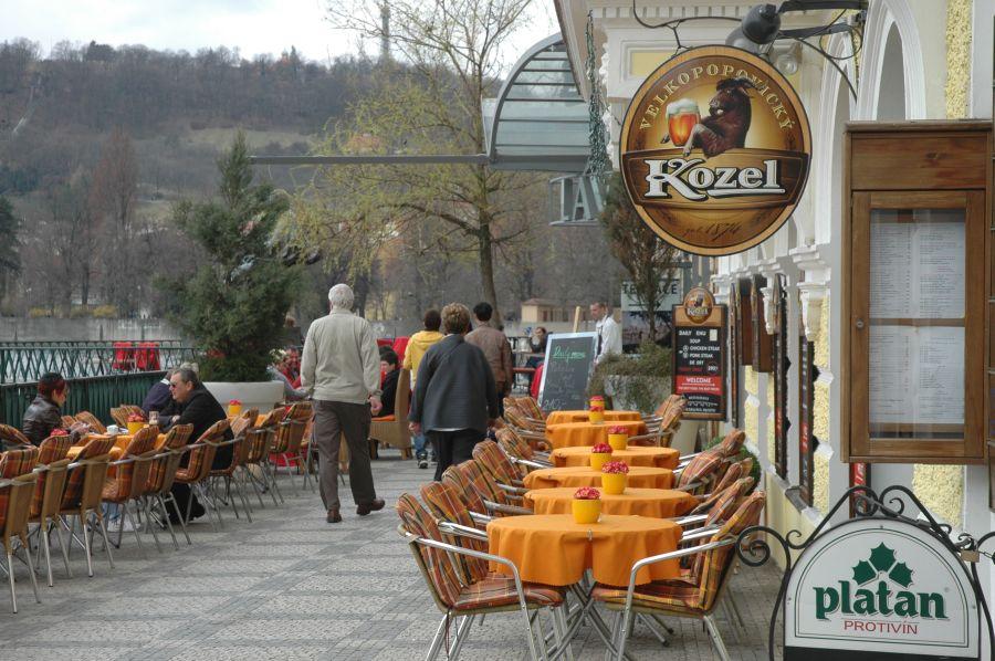 Restauratér: Provoz zahrádek stravovacích podniků musí doprovázet kompenzace - anotační foto