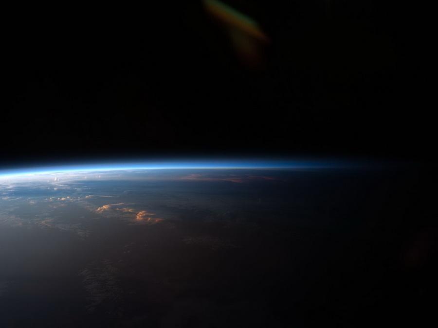 Nejsme ve vesmíru sami? Na nově objevených planetách může žít něco podivného - anotační obrázek
