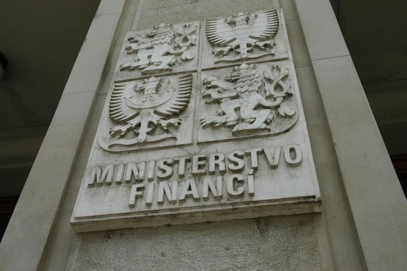 Ministerstvo financí má v účtech chyby za více než 100 miliard, zjistil NKÚ - anotační obrázek