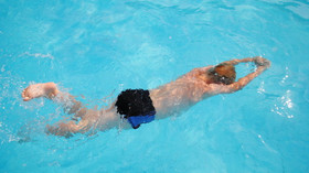 Stydíte se močit do bazénu? Podívejte se, kolik výměšků taková voda obsahuje - anotační foto