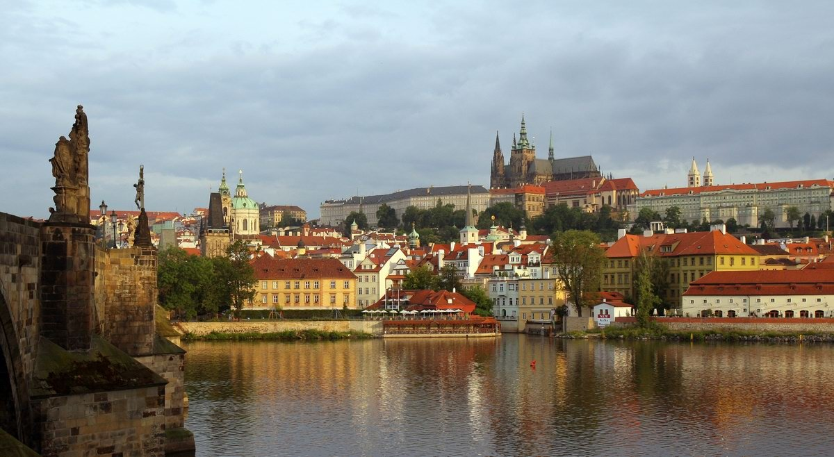 Manévry, které nemají obdoby. Co by se dělo, kdyby zemřel český prezident? - anotační obrázek
