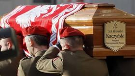 Převážení ostatku tragicky zesnulého polského prezidenta Lecha Kaczyńského