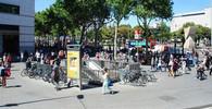 Teror v Barceloně si vyžádal stovku zraněných, 15 z nich je v kritickém stavu - anotační obrázek