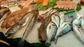 Trh s mořskými plody