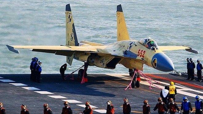 Nová čínská stíhačka J-15