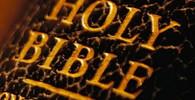 Policie našli poklad. Zloděj měl doma bibli z roku 1684 - anotační obrázek