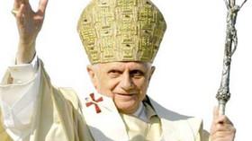 Bývalý papež Benedikt XVI. je vážně nemocný - anotační foto