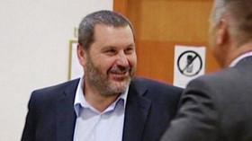 Bývalý starosta Chomutova Novák se měl podle tamějšího okresního soudu hlásit ve věznici v Praze na Pankráci 6. prosince, jenže místo toho ve stejný den přijel do teplické nemocnice, kde ho údajně hospitalizovali.