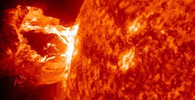 Fantastický snímek erupce na Slunci, 2012