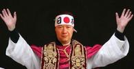 Tomio Okamura jako papež