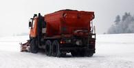 Česko zasáhlo vydatné sněžení. Jsou značné dopravní komplikace, desítky nehod - anotační obrázek