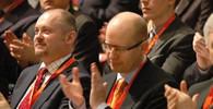 Michal Hašek a Bohuslav Sobotka. Ten druhý už je ve vysoké politice takřka mrtvým mužem, toho prvního možná čeká comeback.