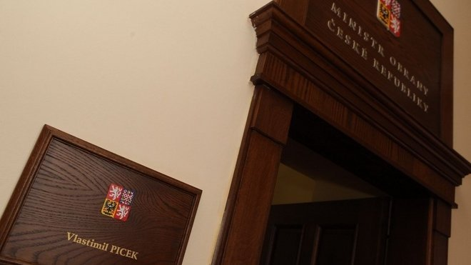 Prezident jmenoval do funkce ministra obrany Vlastimila Picka, 19. března 2013