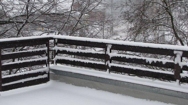 Za včerejšek napadlo na stanici v Jihlavě celkem 6 cm mokrého sněhu.