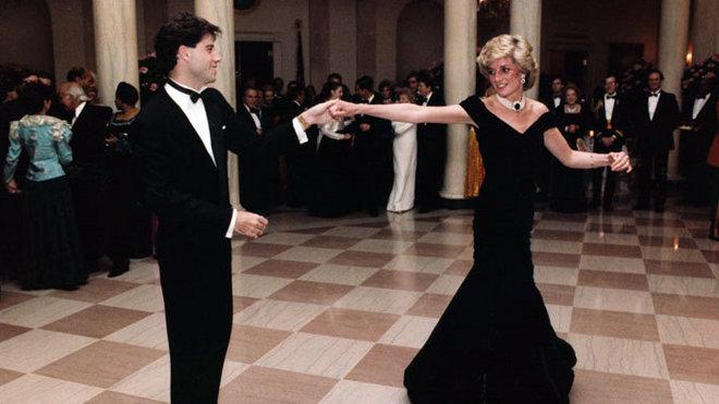 John Travolta a Diana na královském plese.