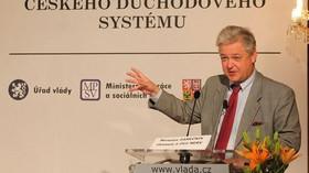 Ekonom Miroslav Zámečník popsal svůj pohled na reformu.