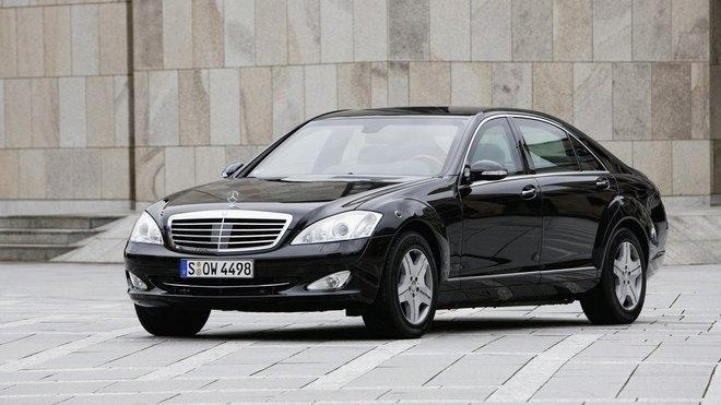 Mercedes Benz, ilustrační fotografie.