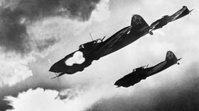 Útok bitevních letadel Iljušin Il-2