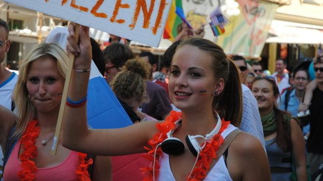 homosexuál z roku lesbička titanfall opravit dohazování