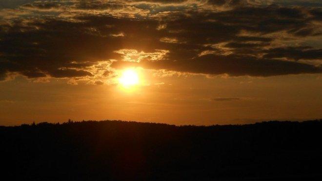 Západ slunce, ilustrační fotografie