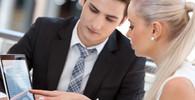 Mladší lidé na trhu práce podnikají v IT, starší ve výrobních oborech - anotační obrázek