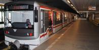 Na lince C skočil pod metro skočil člověk, provoz zastaven - anotační obrázek