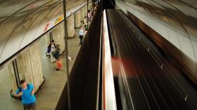 Cestujícím došla v metru trpělivost. Ekologičtí aktivisté dostali co proto - anotační foto