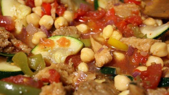 Sójové maso se zeleninou, ilustrační fotografie