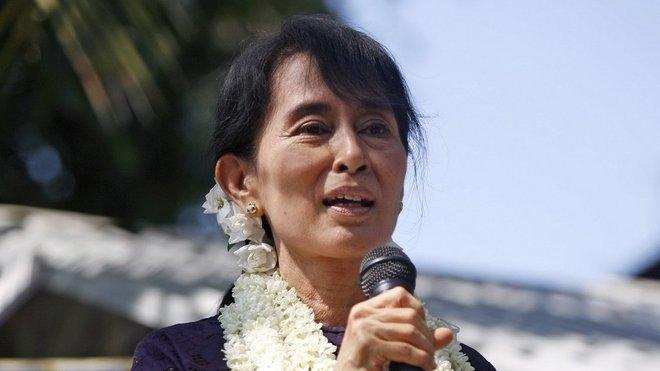 SuŤij, Aun Schan, barmská disidentka
