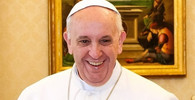 Papež sloužil mši pro tisíce lidí bez domova - anotační obrázek