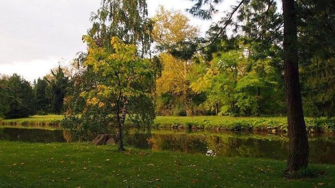 Podzimní den v areálu zámku Lednice