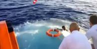 Záchranáři hledají mrtvá těla potopené lodi, ilustrační foto