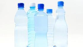 Perlivé vody nám na rozdíl od sladkých limonád neškodí? Naopak, s lidským tělem dělají divy - anotační foto