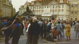 Pád komunistů v ČSSR: Revolučním zlomem nebyl 17. listopad 1989, říká historik - anotační foto