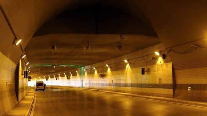 Tunel Blanka, kontroverzní zakázka Metrostavu v Praze