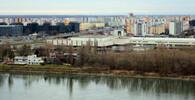 Bratislava, Slovensko - Dunaj a nad ním městská část Petržalka