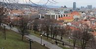 Tisíce Slováků protestují proti vládě i poměrům v zemi - anotační obrázek