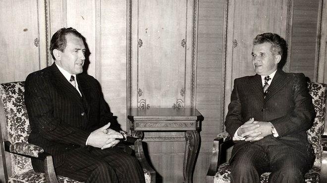 Vasil Biľak s Ceauşescem v roce 1977
