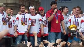 Vladimír Růžička s hokejovým týmem ČR 2010, autor: Jarba