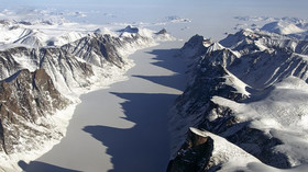 V Kanadě se rozpadl šelfový ledovec, kry mají rozlohu celých měst - anotační foto