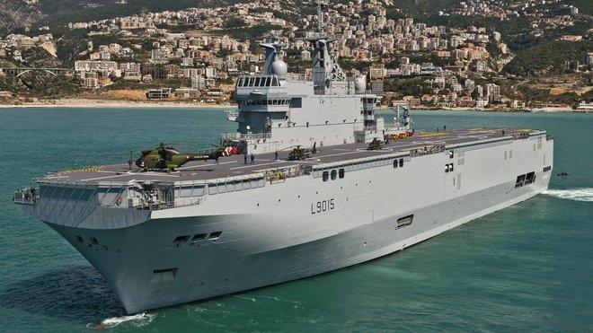 Dixmunde - Třída Mistral je třída vrtulníkových výsadkových a velitelských lodí francouzského námořnictva (francouzské označení je BPC – Bâtiments de Projection et de Commandement).