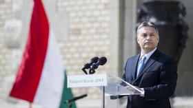 Orbán pronesl tradiční poselství: Maďarsko je bašta proti migraci. Západ otevřel dveře islámu - anotační foto